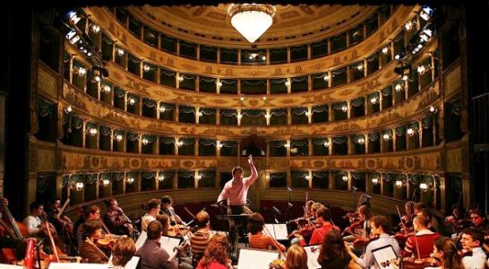 Orchestra-Giovanile-Luigi-Cherubini-al-Festival-di-Spoleto-foto-di-Silvia-Lelli